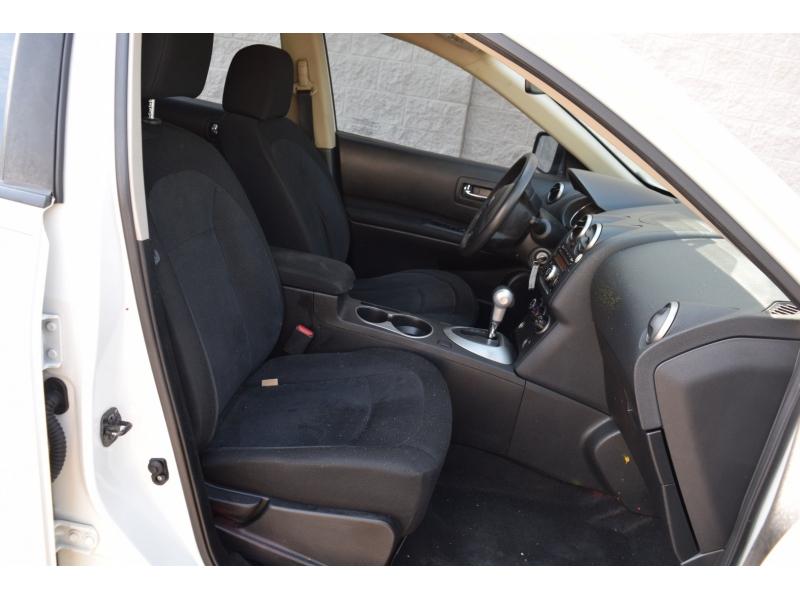 Nissan Rogue Select 2015 price $8,499