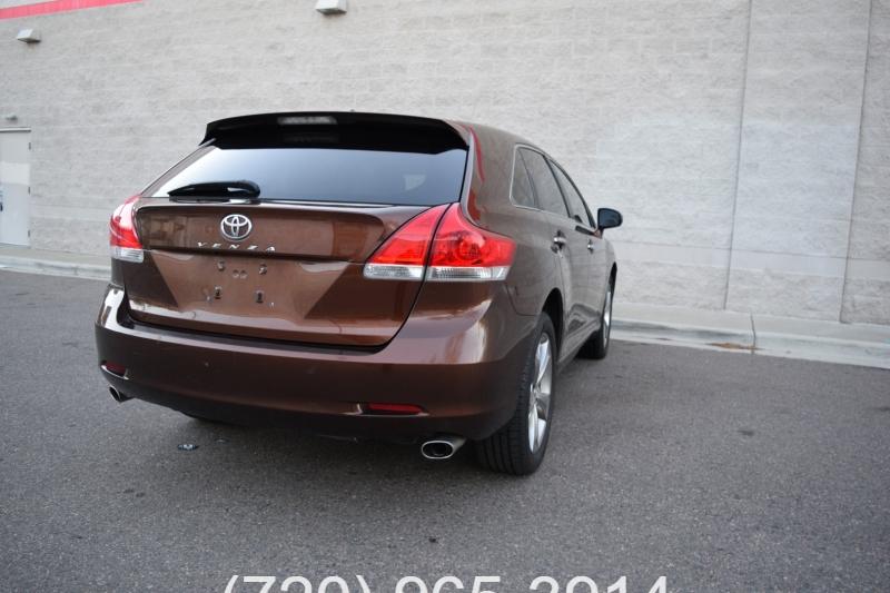 Toyota Venza 2010 price $8,800