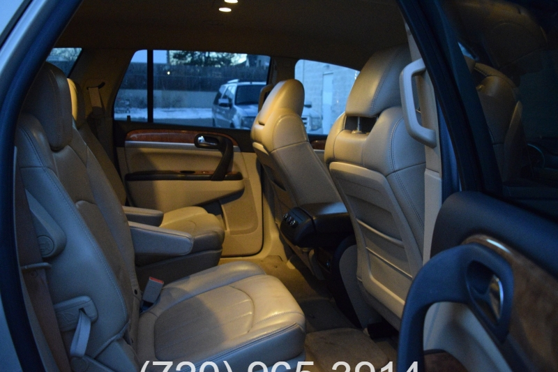 Buick Enclave 2009 price $8,900