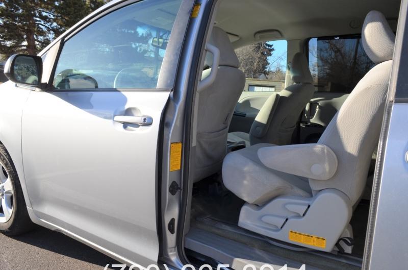 Toyota Sienna 2014 price $11,580