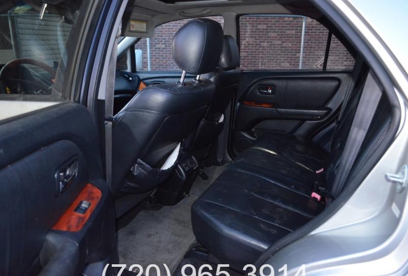 Lexus RX 300 2001 price 3900+299D&H