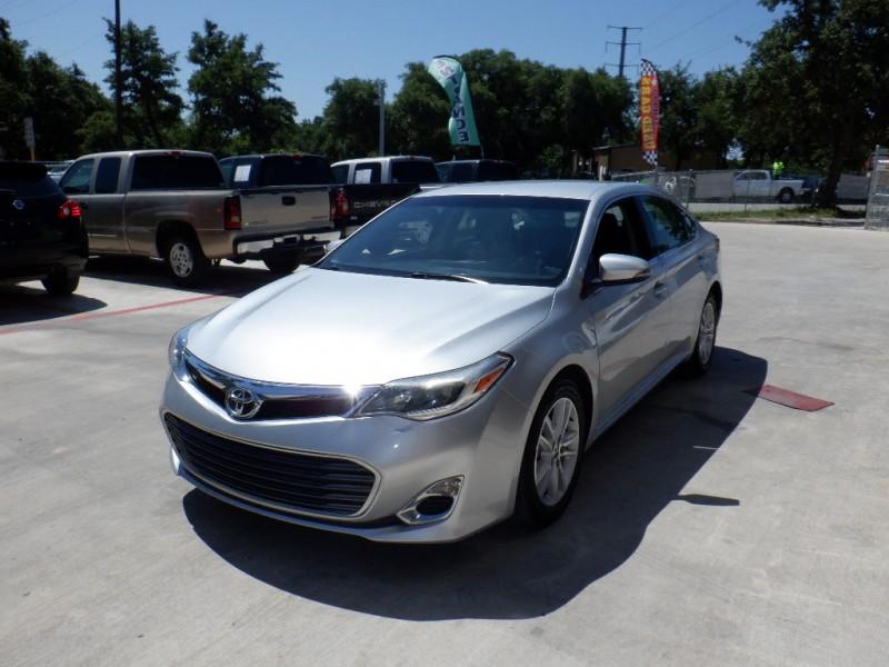 Toyota Avalon 2013 price $9,900