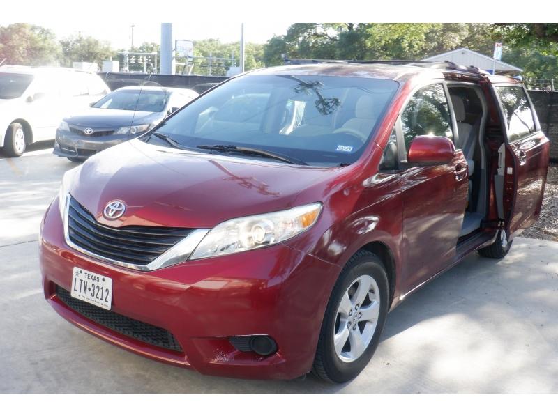 Toyota Sienna 2011 price $7,300