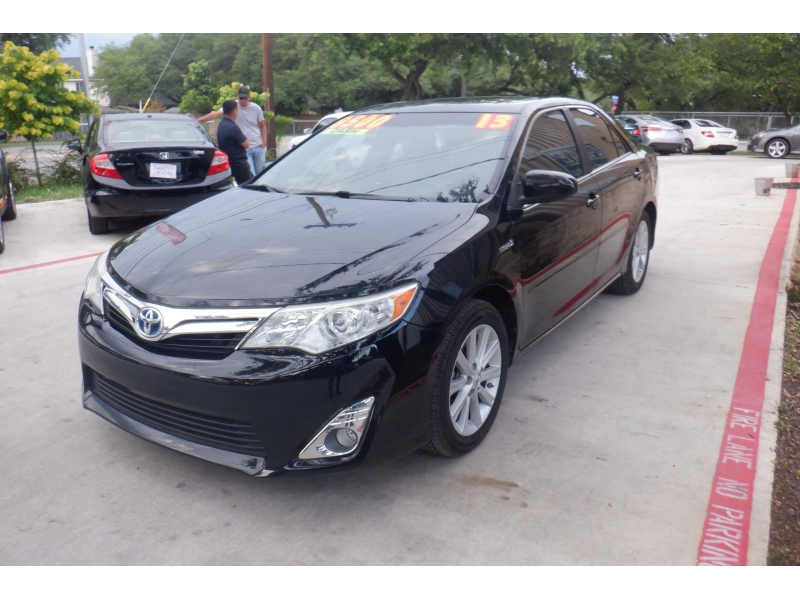 Toyota Camry Hybrid 2013 price $7,500