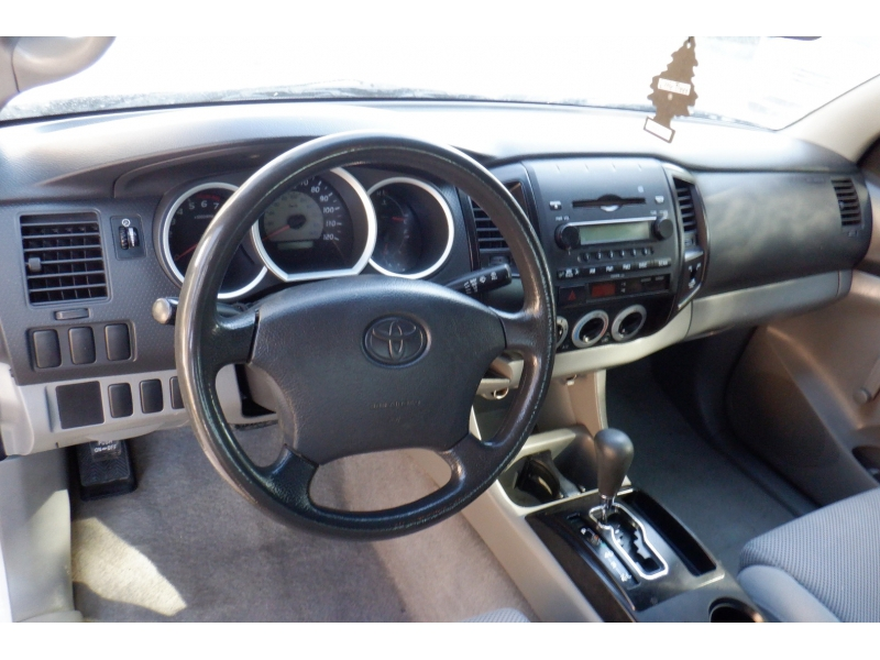Toyota Tacoma 2006 price $6,900