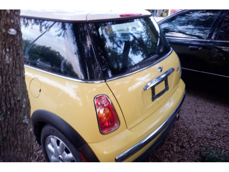 Mini Cooper Hardtop 2004 price $3,500