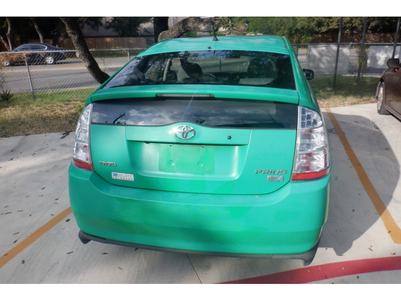 Toyota Prius 2007 price $2,500