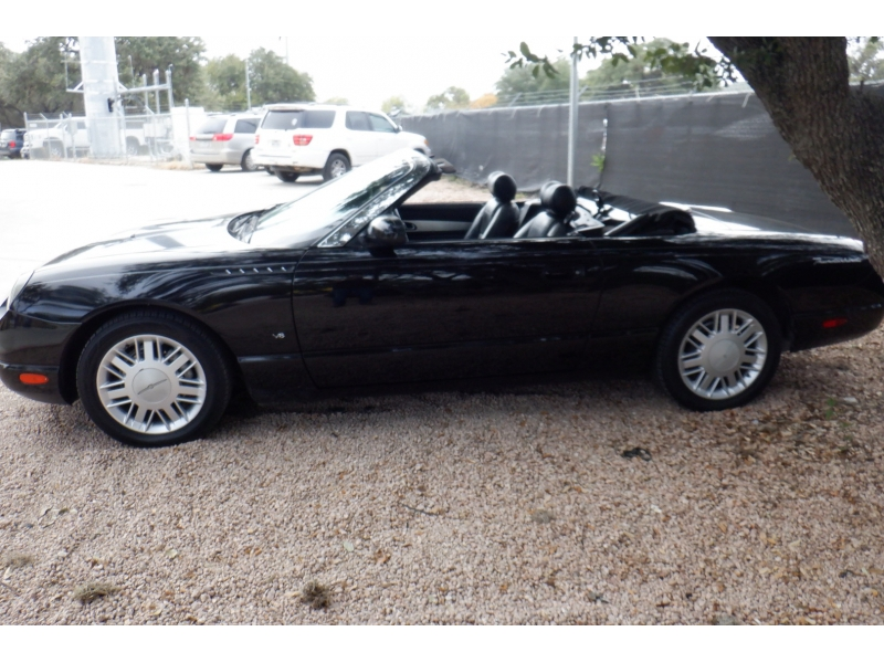 Ford Thunderbird 2003 price $6,900
