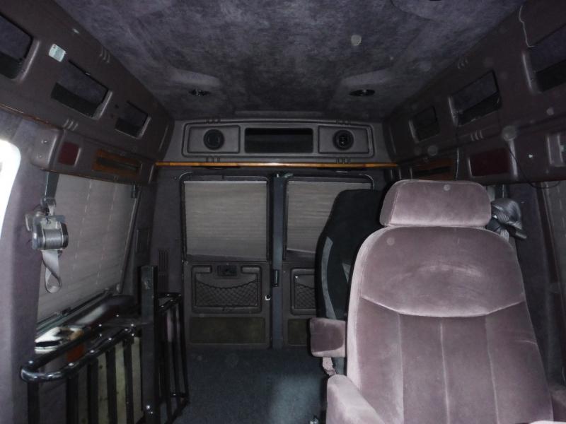 Dodge Ram Van 2000 price $3,900
