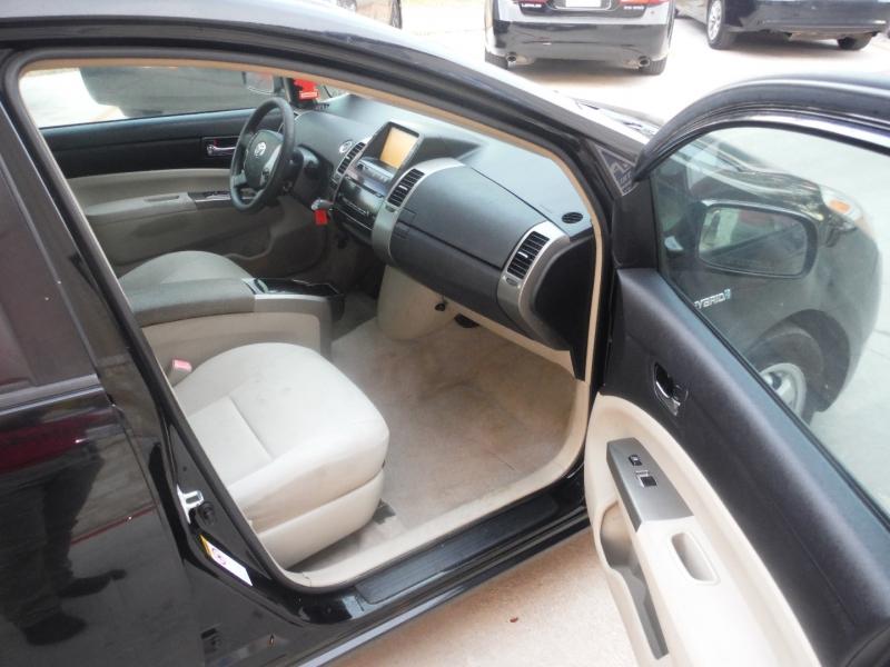 Toyota Prius 2009 price $3,950