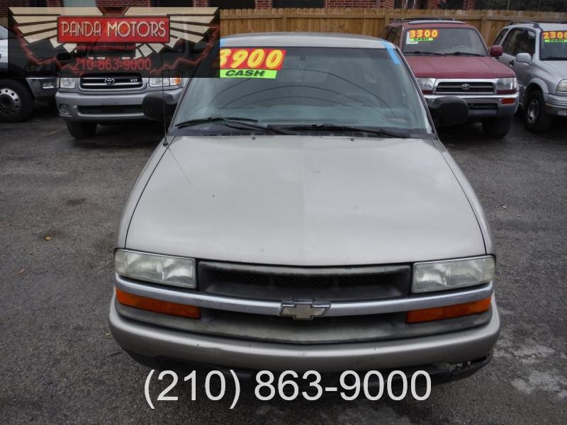 Chevrolet S-10 2003 price $3,700