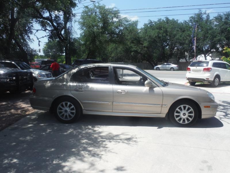 Hyundai Sonata 2005 price $3,900