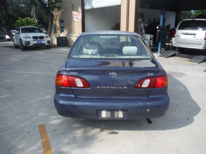 Toyota Corolla 1999 price $1,900