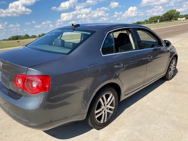 Volkswagen Jetta Sedan 2006 price $3,950