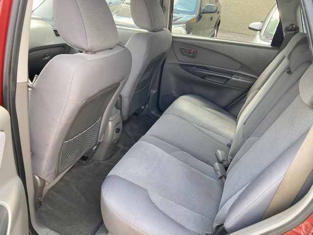Hyundai Tucson 2008 price $3,950