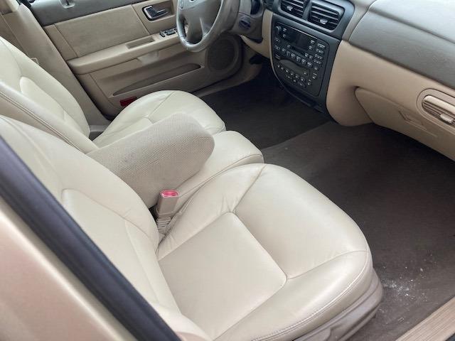 Ford Taurus 2000 price $2,950