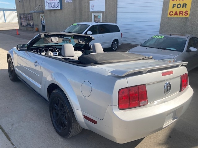 Ford Mustang 2006 price $4,550