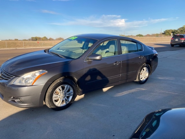 Nissan Altima 2012 price $4,950