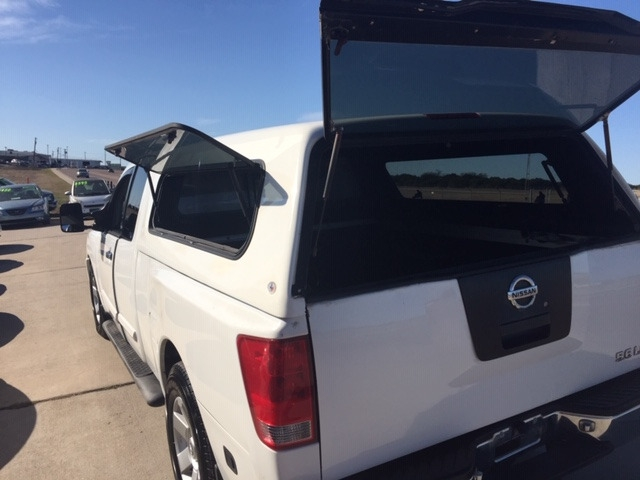Nissan Titan 2004 price $4,650