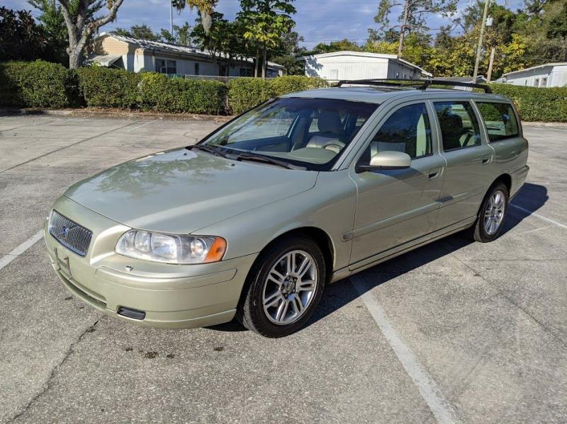 VOLVO V70 2006 price $2,500