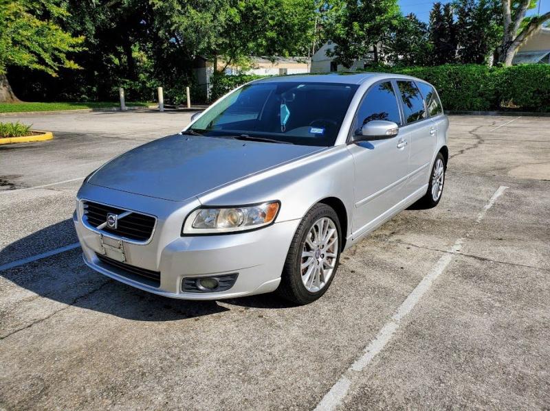 VOLVO V50 2010 price $3,400