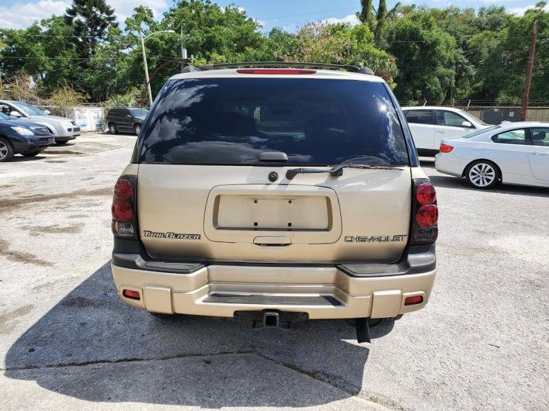 CHEVROLET TRAILBLAZER 2004 price $3,500