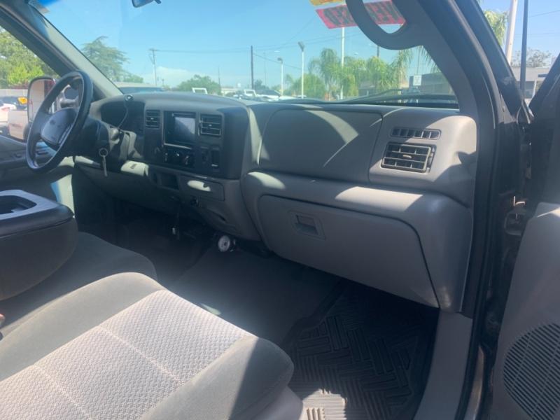 Ford Super Duty F-250 2002 price $12,995