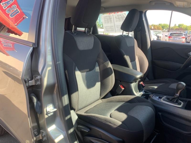 Jeep Cherokee 2017 price $17,995