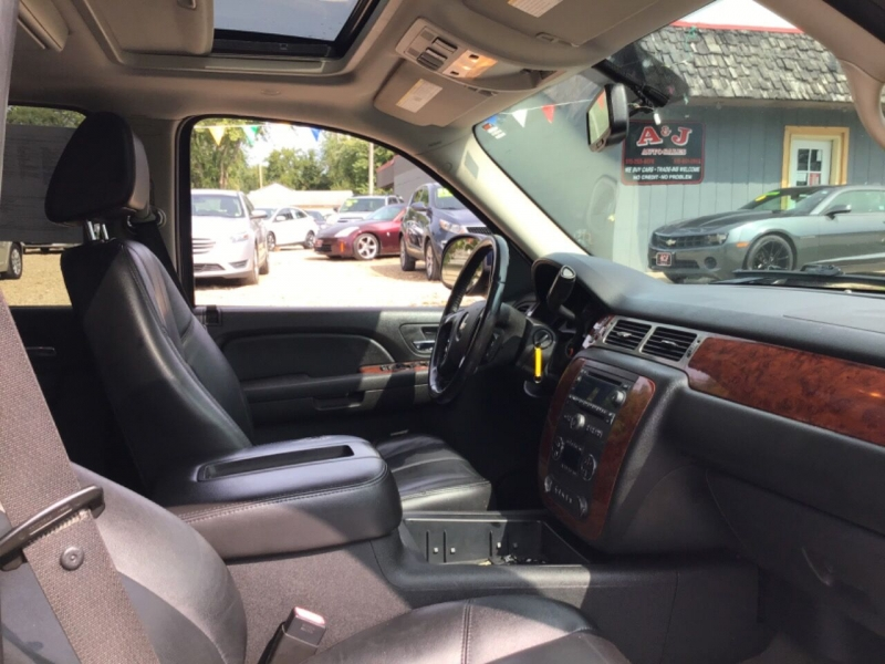 Chevrolet Suburban 2009 price $7,950