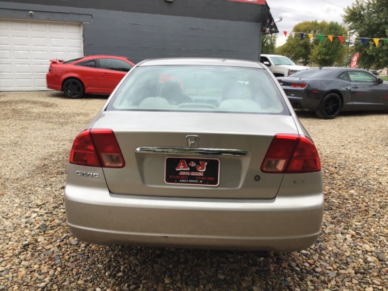 Honda Civic 2002 price $2,450