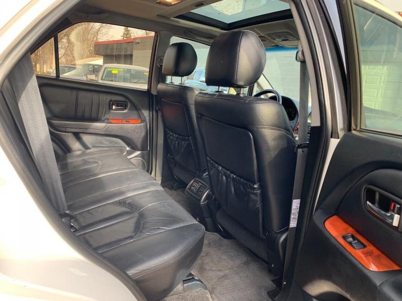 Lexus RX 300 2001 price $3,700