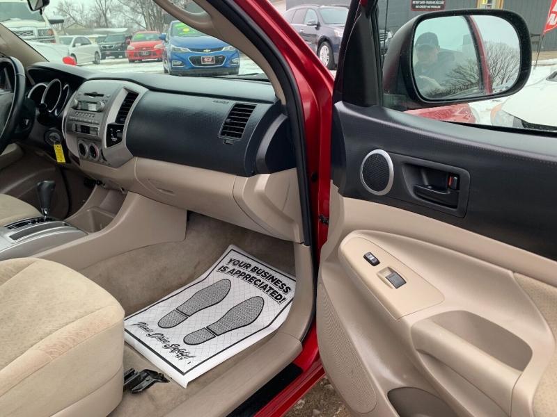 Toyota Tacoma 2006 price $8,800