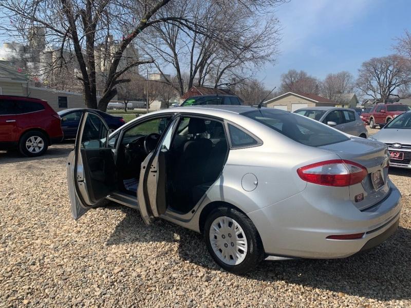 Ford Fiesta 2016 price $7,950