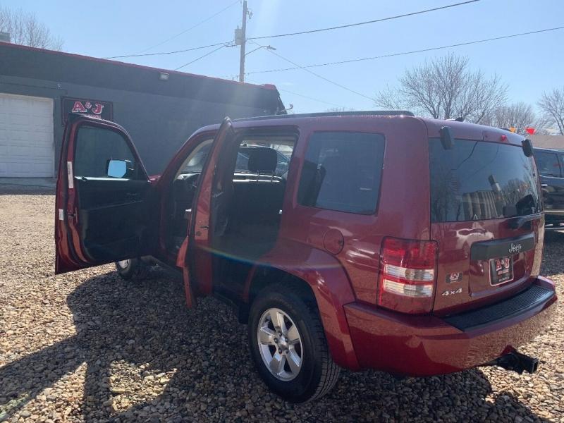 Jeep Liberty 2012 price $8,900