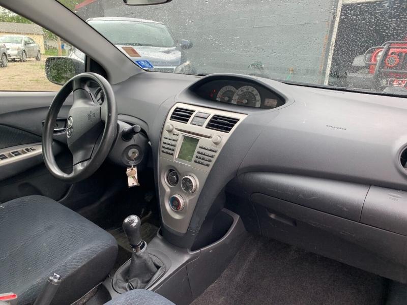 Toyota Yaris 2007 price $4,700