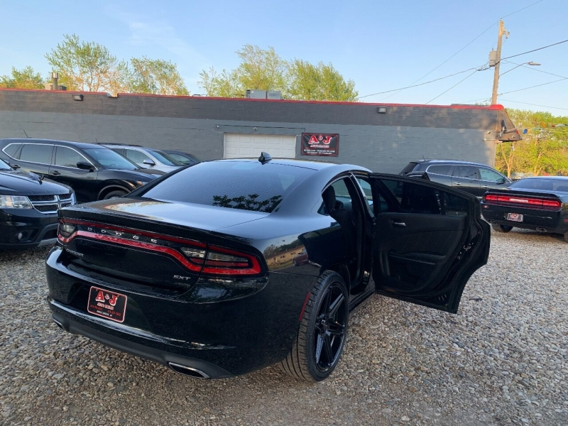 Dodge Charger 2015 price $19,900