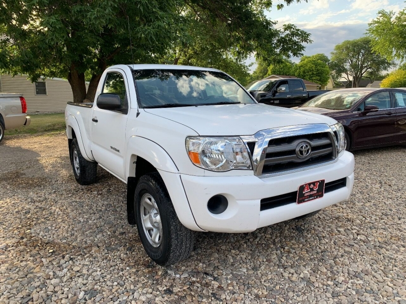 Toyota Tacoma 2010 price $9,500