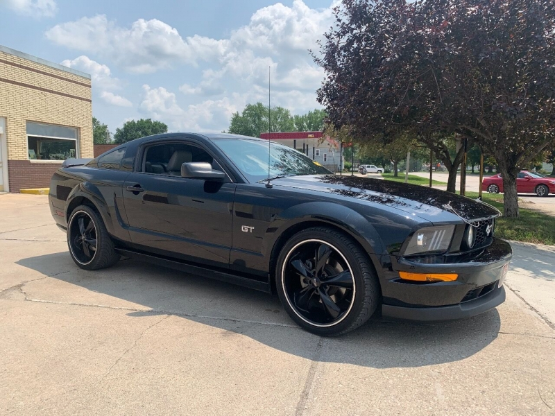 Ford Mustang 2006 price $14,700