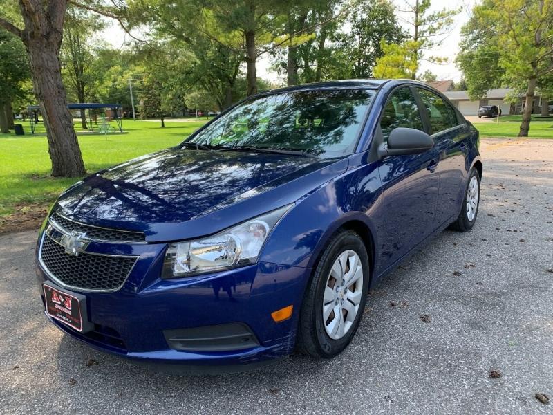 Chevrolet Cruze 2012 price $7,900
