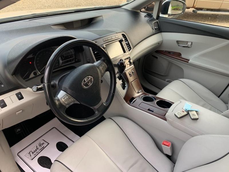 Toyota Venza 2009 price $12,900
