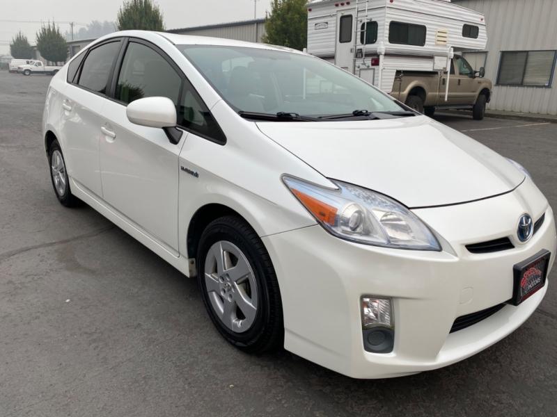 Toyota Prius 2010 price $9,995