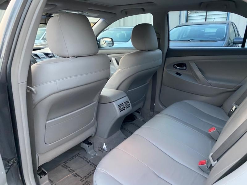 Toyota Camry Hybrid 2009 price $9,895