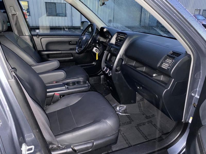 Honda CR-V 2005 price $10,995