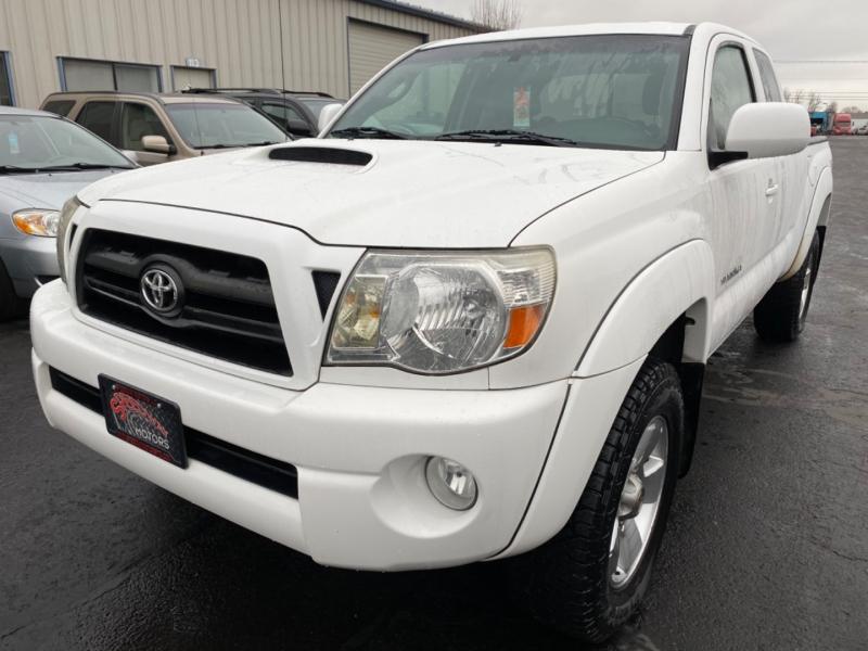 Toyota Tacoma 2005 price $14,895