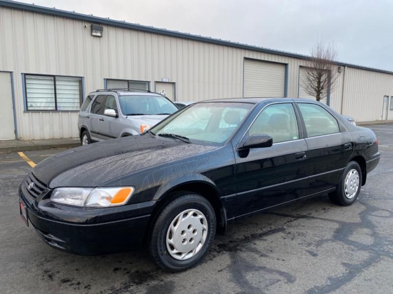Toyota Camry 1999 price $3,795