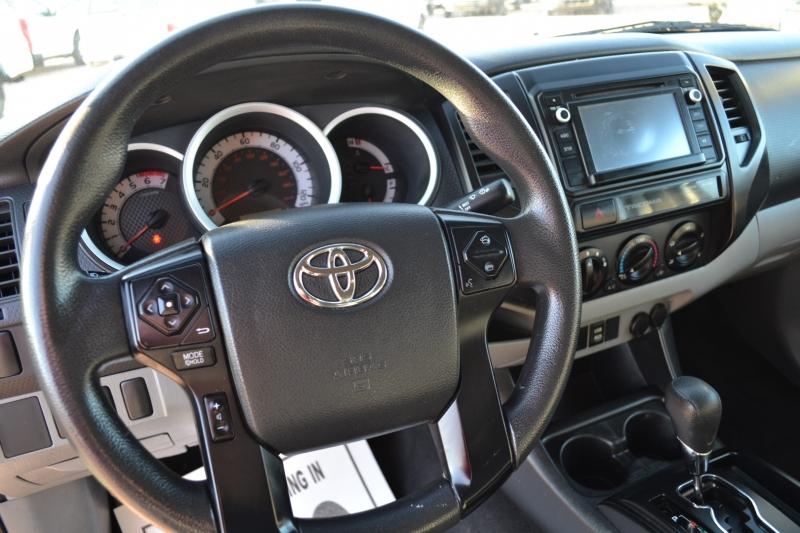 Toyota Tacoma 2015 price $19,995