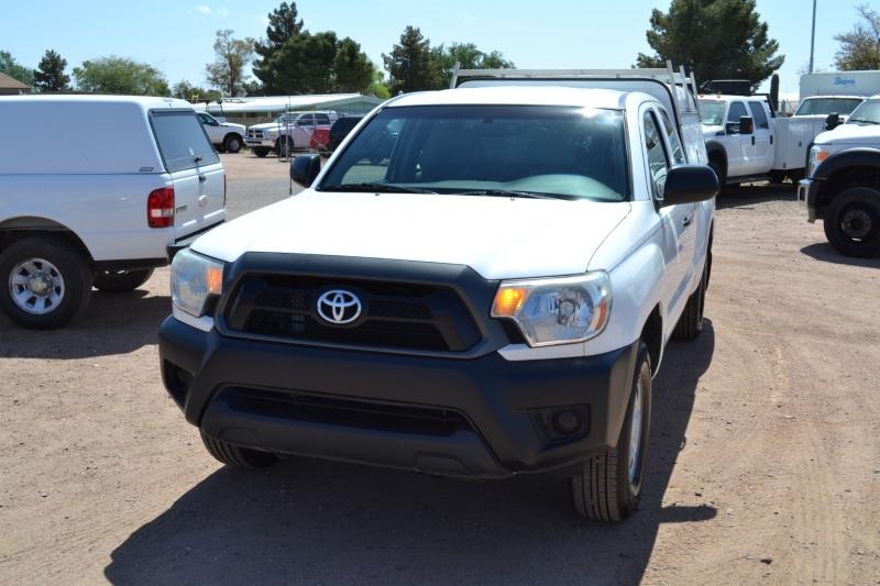 Toyota Tacoma 2015 price $17,995