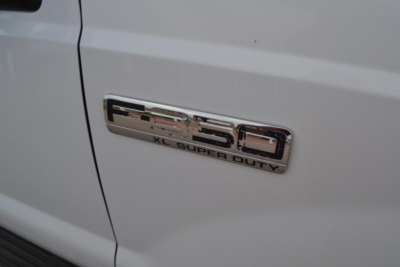 Ford Super Duty F-350 SRW 2005 price $19,995