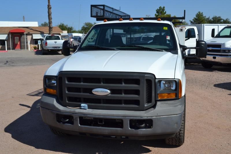 Ford Super Duty F-350 SRW 2005 price $18,995