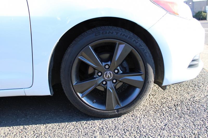 Acura ILX Hybrid, Leather Interior, HTD Seats, Sunroof. 2013 price $9,991